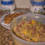 Vegan rijst bowl met mango, paprika en bonen