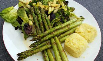 Groene asperges met koolrabi salade en couscous